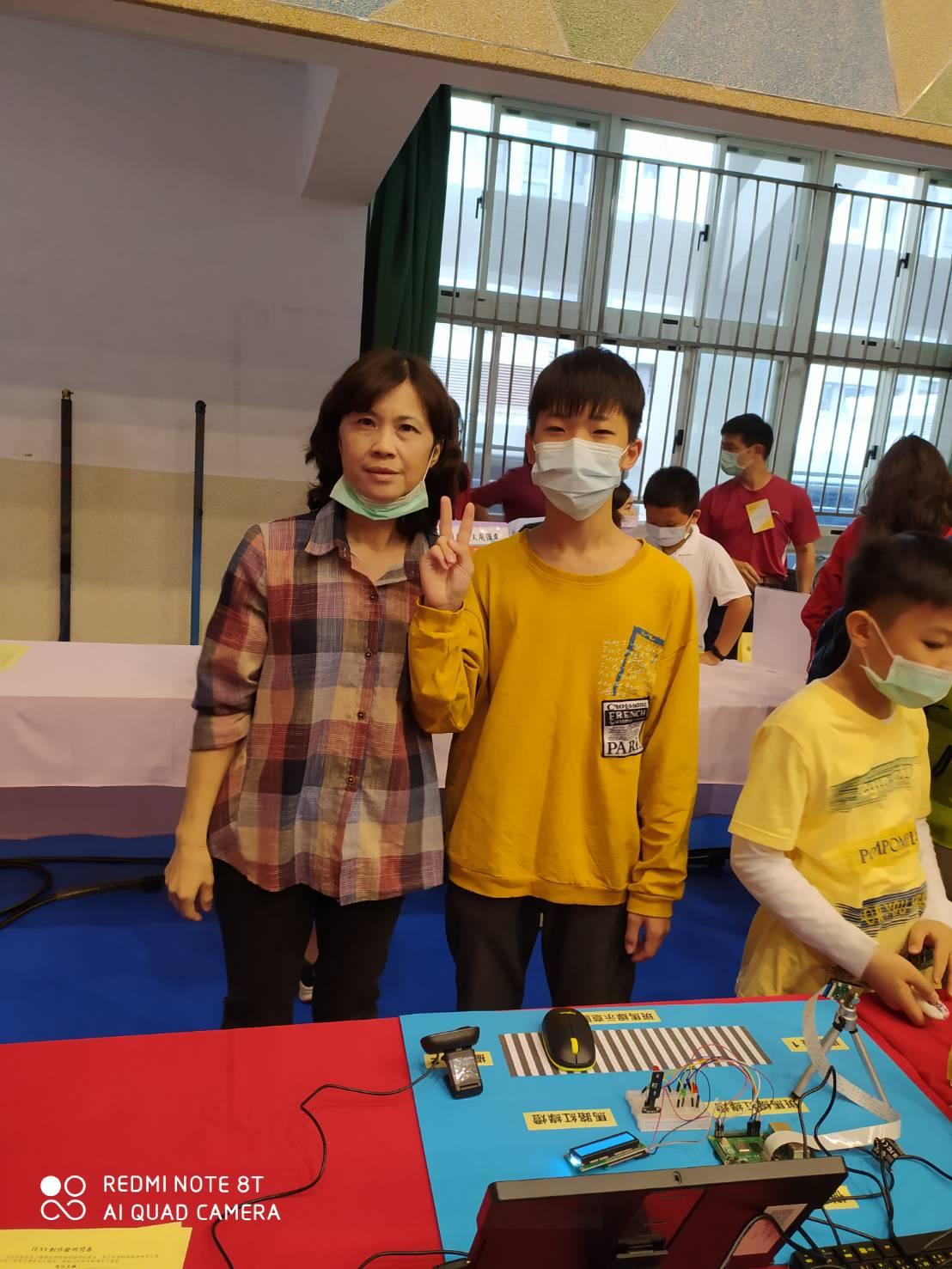 【六年級】探索課程-參加2021YEYI世界青少年創客發明展暨台灣選拔賽