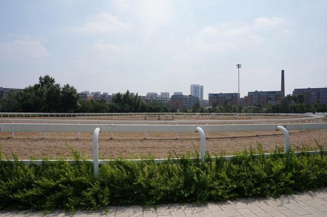 2016-07-08 13.54.00 皇宮前方設置跑馬場